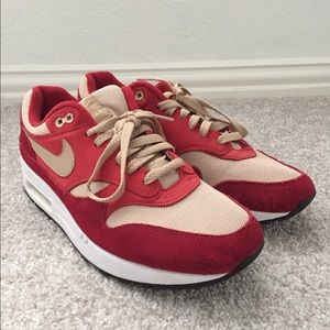 Men's Red Nike Air Max Curry's